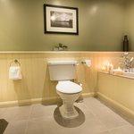 Master Bathroom - 2 Bedroom Lodge