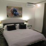 Comb View room bedroom