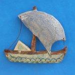 Keramikschiff mit Aufhaengung oder als Magnet