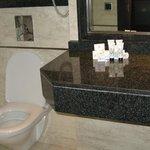 Clean bathroom/shower room