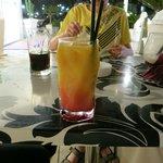 Tequila Sunrise von der Bar