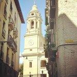 Catedral de Pamplona desde Calle de Curia.