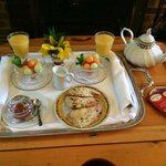 First Course Breakfast Service Tray in Cottage