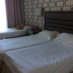 Superieure kamer met zwembadzicht.