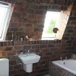 Africa Suite first floor bathroom