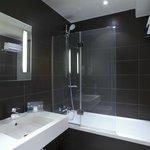Bathroom Twin Room