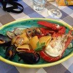 Homard et fruits de mer, accompagnés de pâtes, of course !