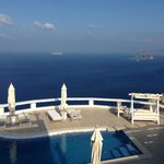 Miracle view to pool and caldera