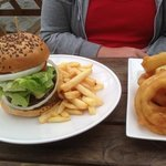 burger and rings to die for