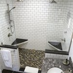 Grand Suite 2 Person Shower