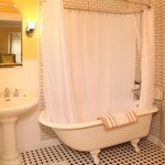 Albert's Room Clawfoot Tub & Shower