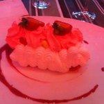 Le Vacherin fraise-vanille chatilly violette