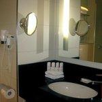 Baño habitación Suite Junior