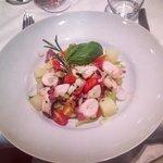 Salade tiède de poulpe et pommes de terre avec céleri croquant
