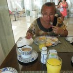 mi esposa y yo desayunando en el playacar palace el 8 de agosto 2014