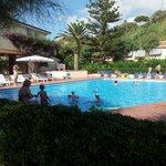 la piscina. ..che bella! !!!!!