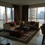 1 bedroom city view - lounge area