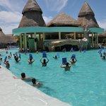 Swim up bar - Main pool