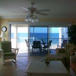 Living room w/screened balcony