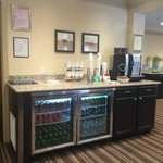 Club Lounge-refreshment center