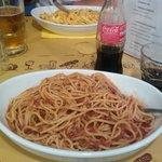 Spaghetti bolognese and tagliatelle with carbonara
