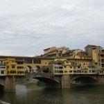 Puente Viejo desde la ribera del Arno