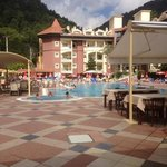 Great pool, restaurant and bar.