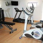 Nuestro gimnasio / Our gym