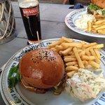 burger , frite et biere tcheque excellents