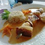 Entrée : Brochette de Saint Jacques et son riz saux écrevisses