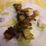 Spiedini di verdure con formaggi misti