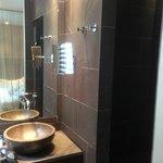Sink/Rain Style Shower Stall