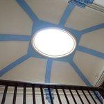 El techo de la escalera principal