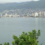 Bahia de Acapulco onde pode-se ver o Crowne Plaza