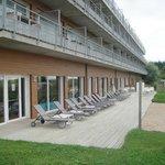 l'espace détente extérieur de la résidence hôtelière (piscine intérieur chauffée)