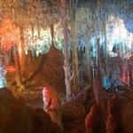 grotte avec lumière