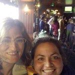 con María en el restaurante de Howth