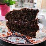 Schoko-Kuchen mit Himbeer-Füllung