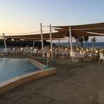 terrasse du bar de l'hotel coté piscine