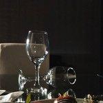 recibimiento con fresas achocolatadas y un buen vino