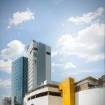 Fachada Centro Comercial el Cacique