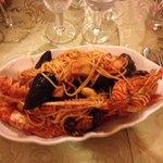 Spaghetti allo scoglio in salsa rossa