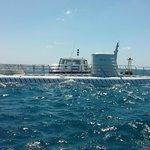 Atlantis 6 preparing to dive