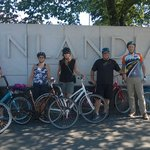 Group photo at the Finlandia sign