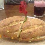 Morena de buenaza sandwich