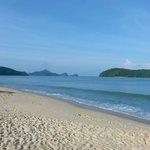Superbe plage avec vue sur les iles