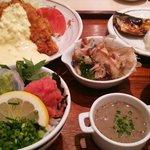 白身魚&塩鯖定食をオプションでミニどんぶりにしたらこんな大騒ぎに