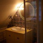 La salle d'eau (chambre du batiment annexe)