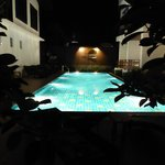 Le Patta pool at night