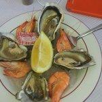 4 huîtres et 4 crevettes